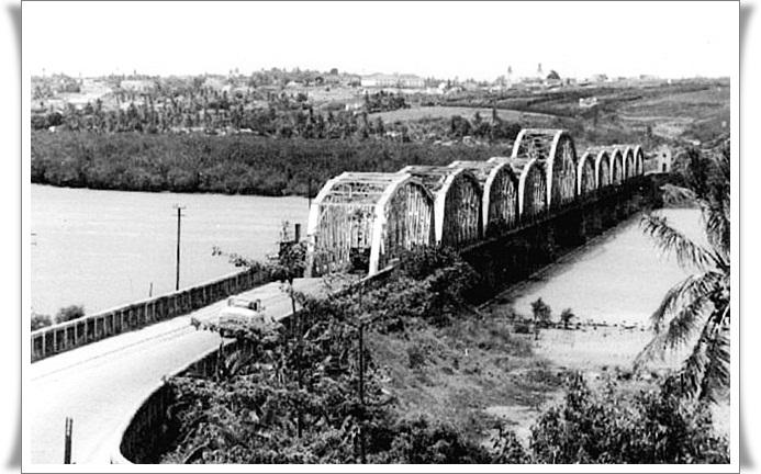 Por que não utilizam a ponte de ferro de Igapó?