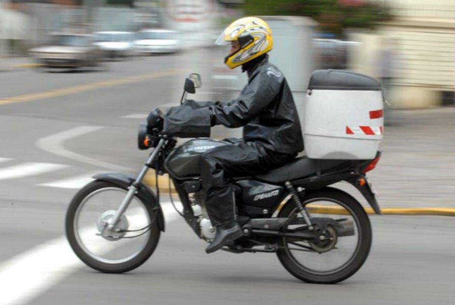 Prefeitura define o Dia do Moto-entregador
