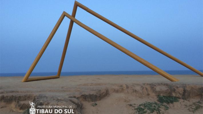 Essa pirâmide está em Pipa? É um projeto de arte