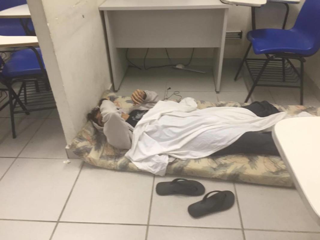 Gente chegou a dormir no GGJ (Fotos: Lara Paiva)