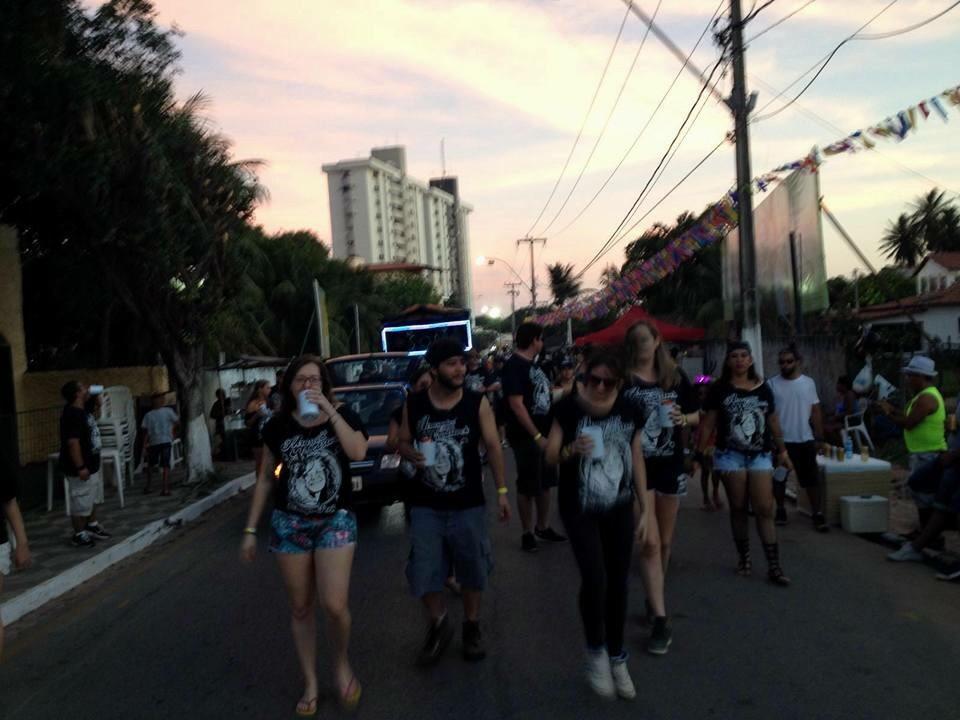 Atrasados para Woodstock anima o público de Pirangi
