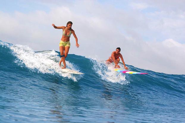 Mulheres vão se reunir em evento de surf