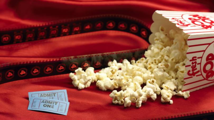 É verdade que estão julgando o uso da pipoca no cinema?