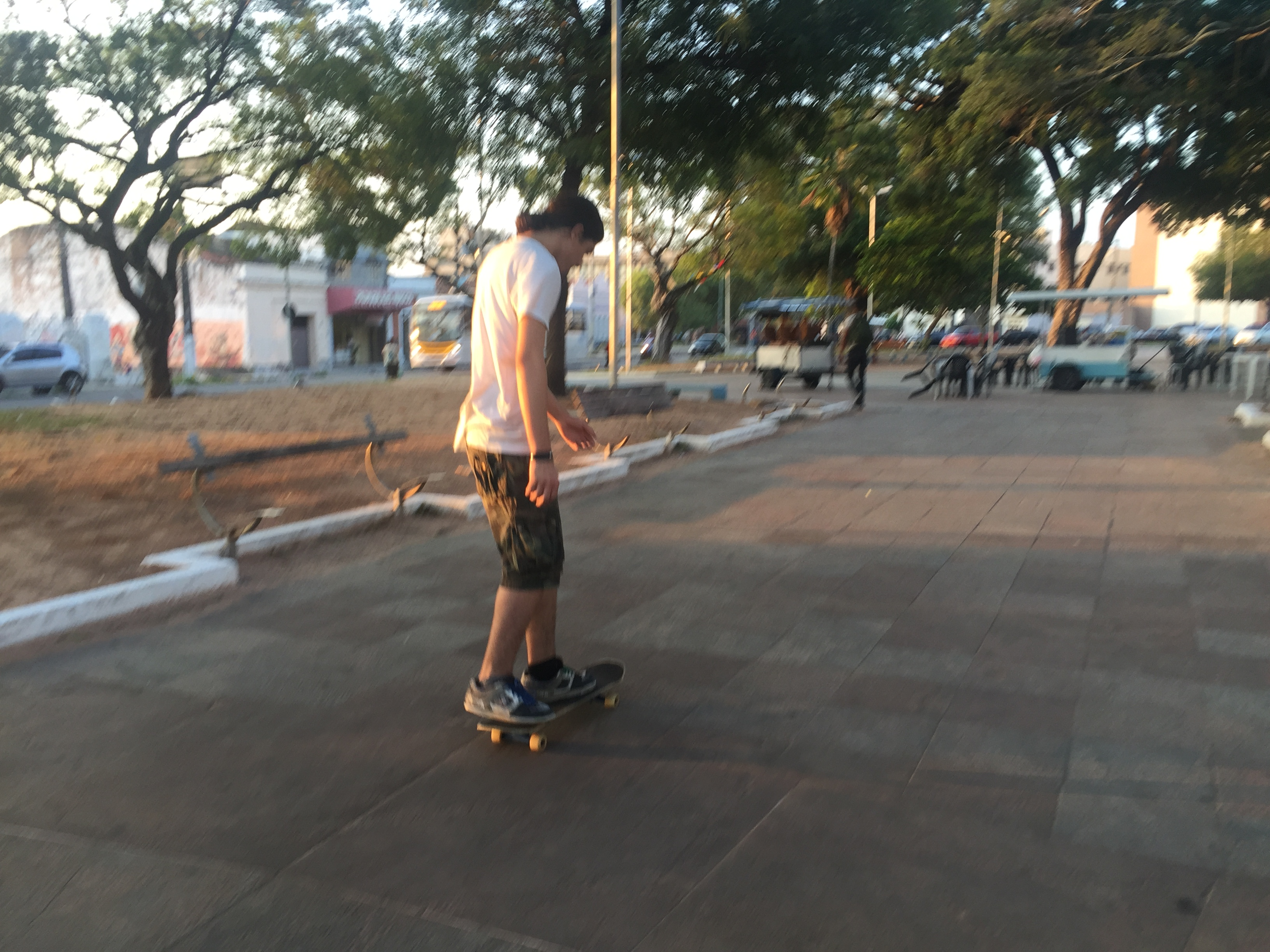 Skatistas ainda utilizam a Praça de André de Albuquerque