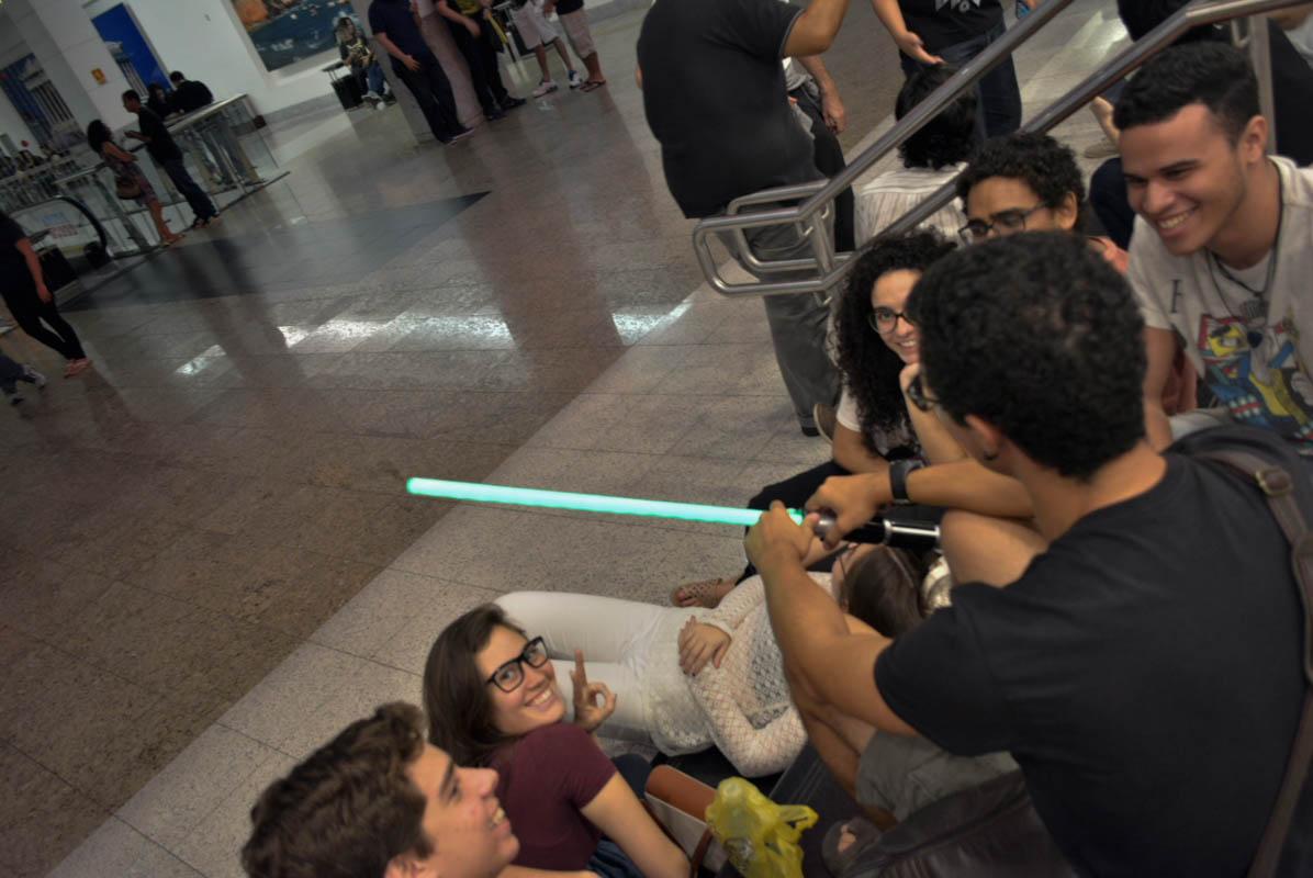 Madrugando para ver um filme novo do Star Wars, por quê?