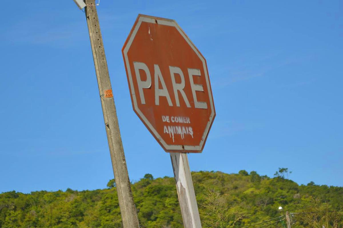 Modificações nas placas de trânsito em Natal