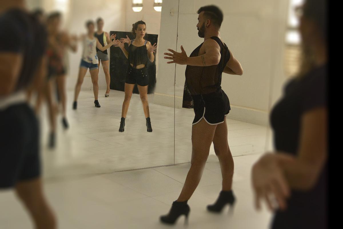 Experimentando dançar o Stiletto