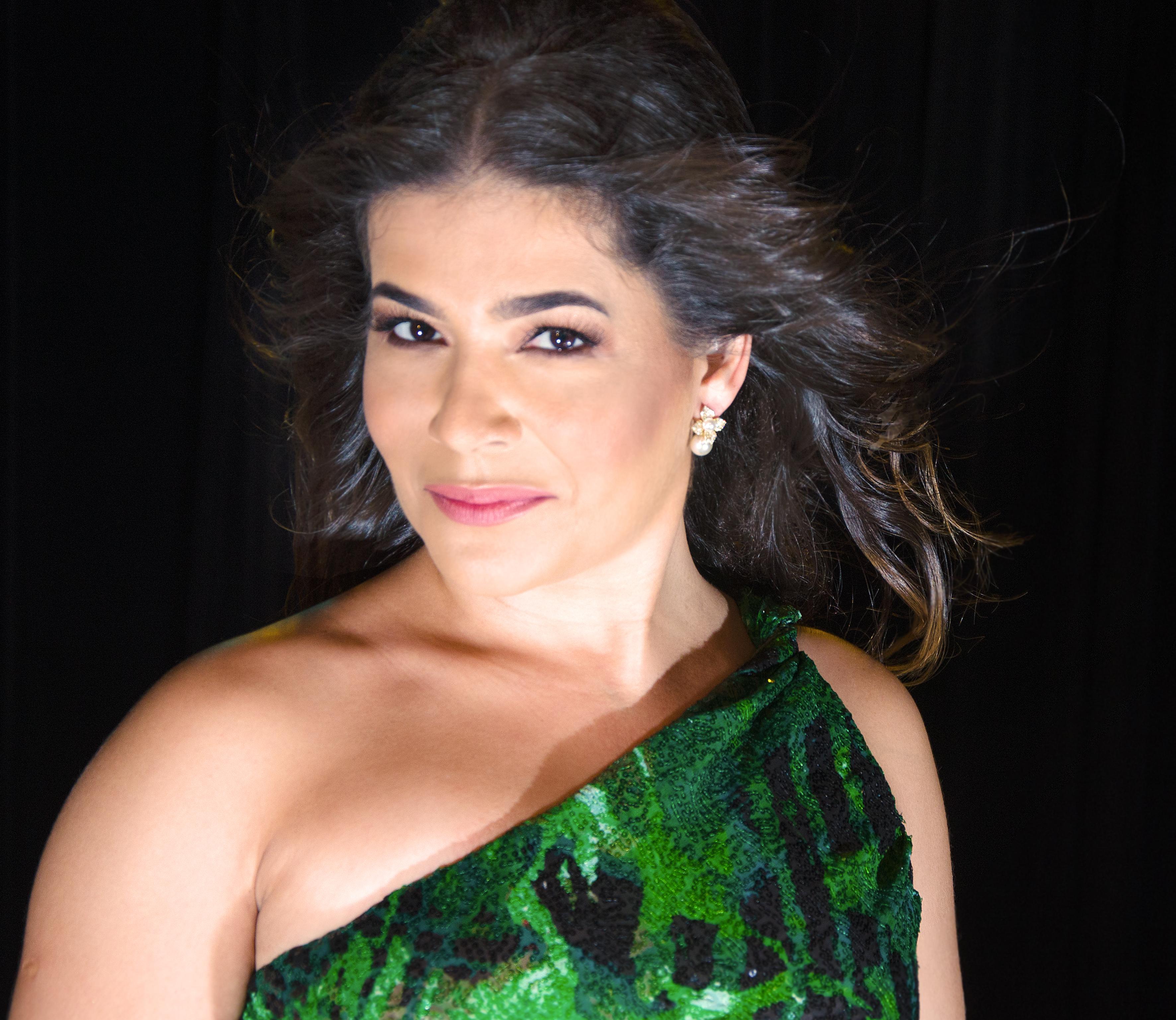 Cantora soprano natalense traz novo espetáculo inspirado em trilha sonora de filmes