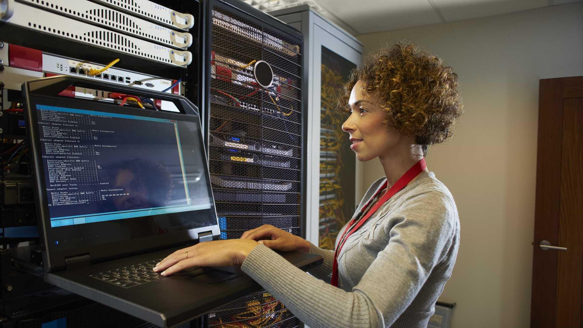 Evento do Google reune mulheres interessadas em informática na capital potiguar