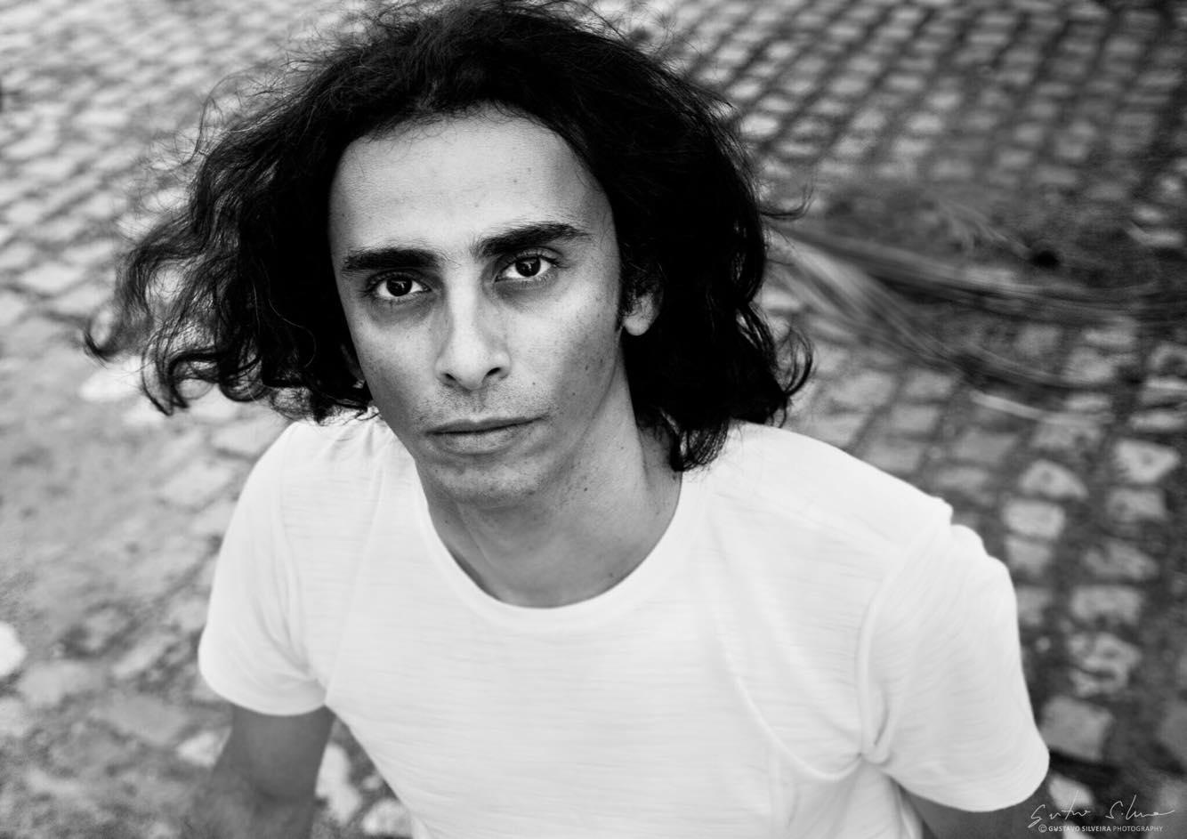 Artista potiguar aproveita semelhança e recria imagens icônicas de Sérgio Sampio