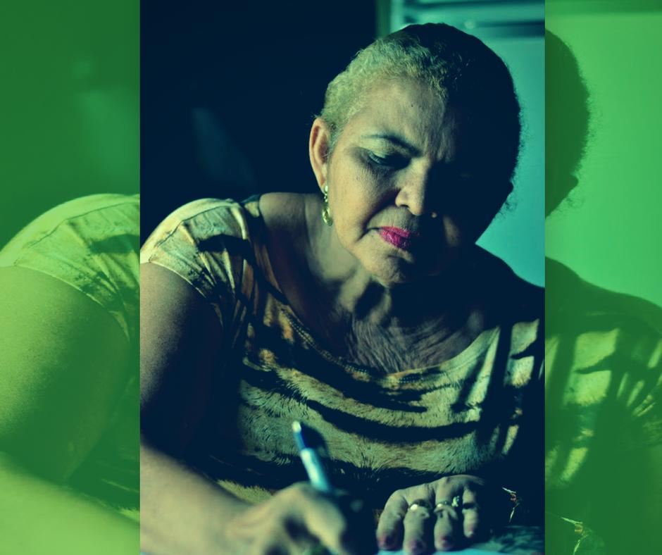 Pesquisadora analisa diários de cuidadores de idoso de Currais Novos para discutir a velhice no Brasil