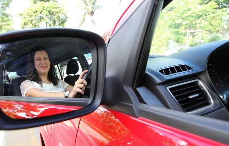 Empresa convoca motoristas para trabalhar em Uber Feminino