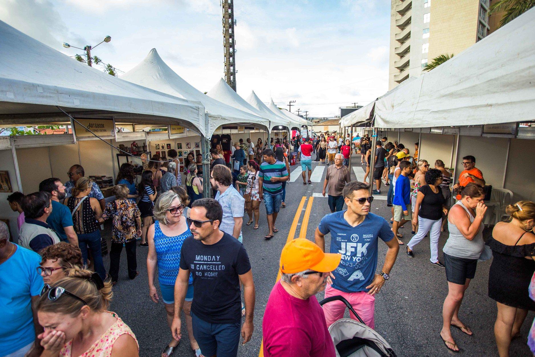 Praça do Gringo's volta a receber o Mercado das Pulgas em março