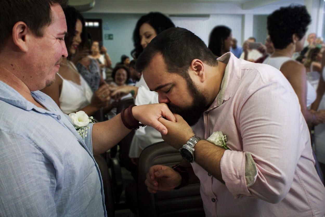 Casamento gay é uma forma de resistir contra homofobia