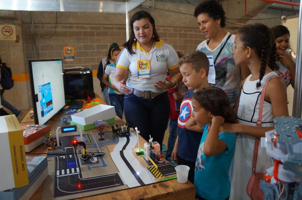 Escola de robótica em Natal cria kits educativos