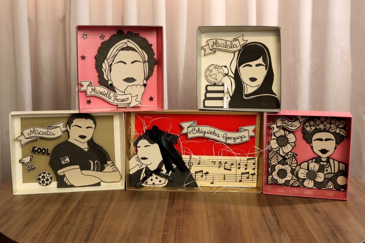 Artista faz quadros de mulheres icônicas com caixas