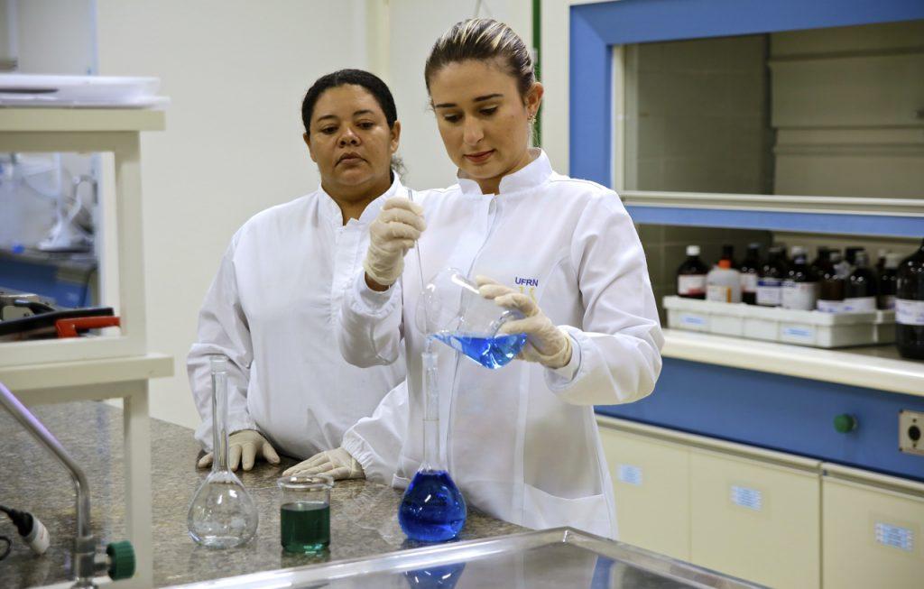 UFRN vai produzir 55 mil litros de álcool 70%
