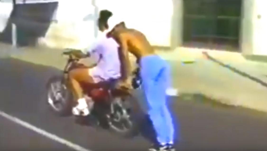 Essa galera fazia isso com a moto em Natal nos anos 90