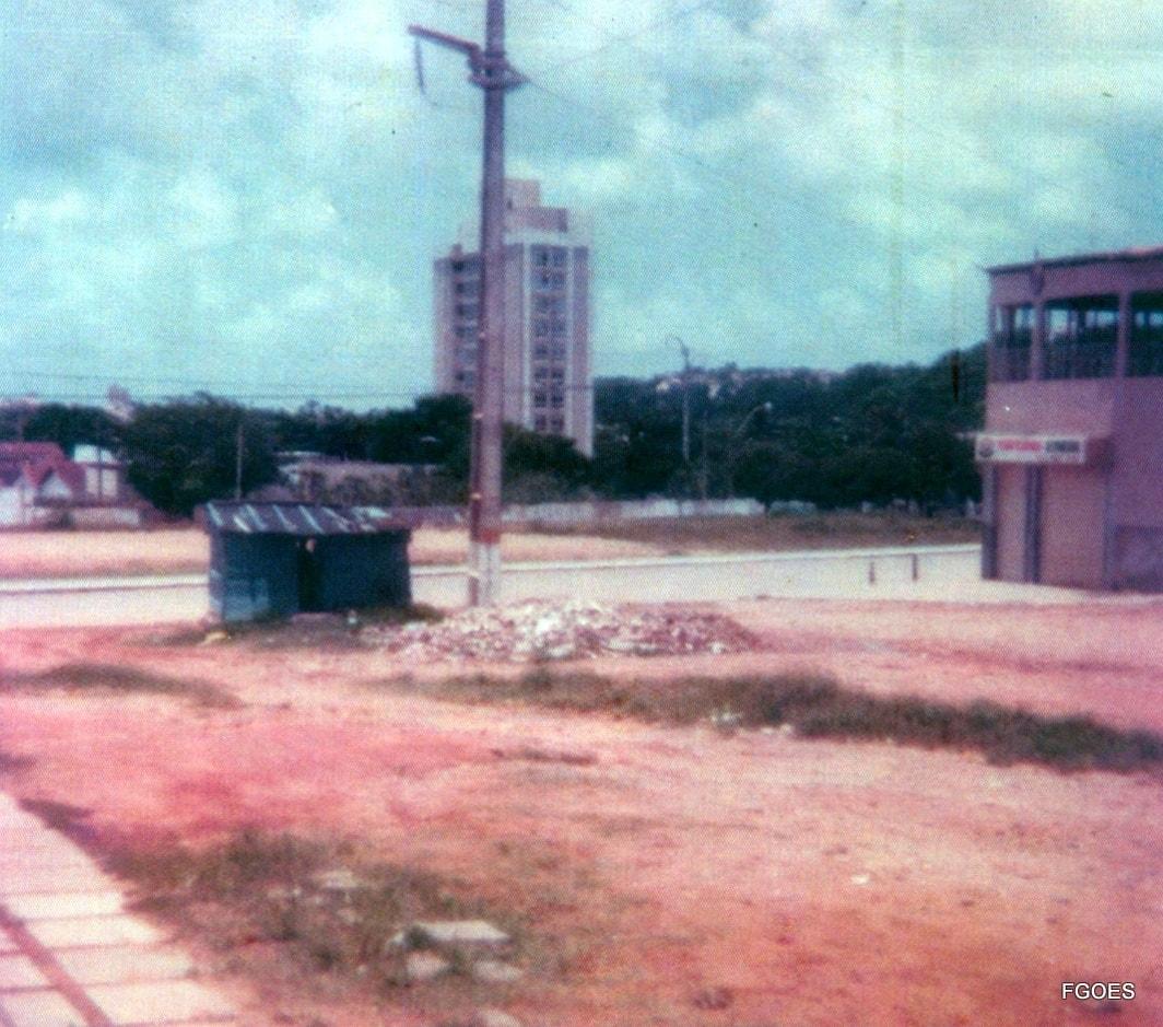 Quando a Praça Augusto Leite era só terreno