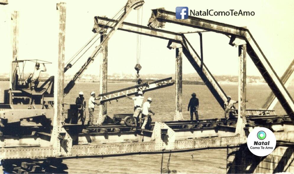 Foto da desmontagem da ponte de Igapó